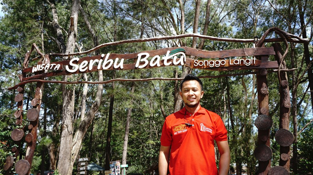 Tour Guide Indonesia Tour Guide